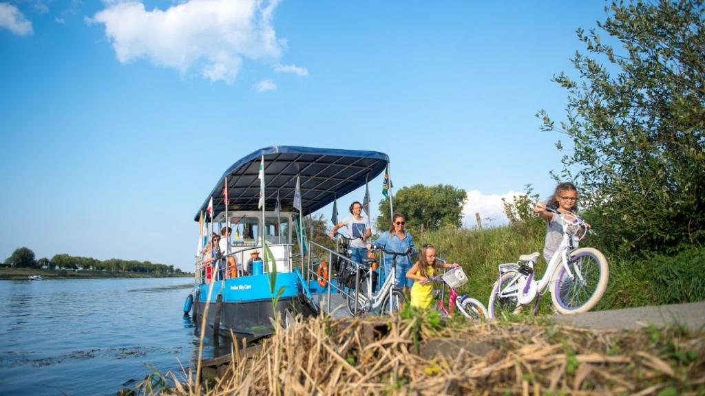 Fiandre-in-bicicletta-Overzetboot-©-(C) StudioVision