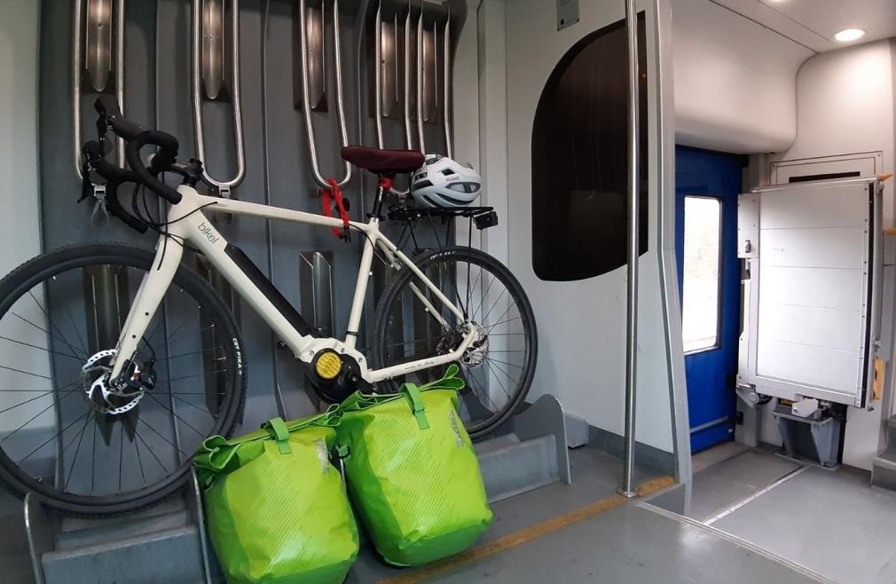 cicloturismo bici in treno ebike