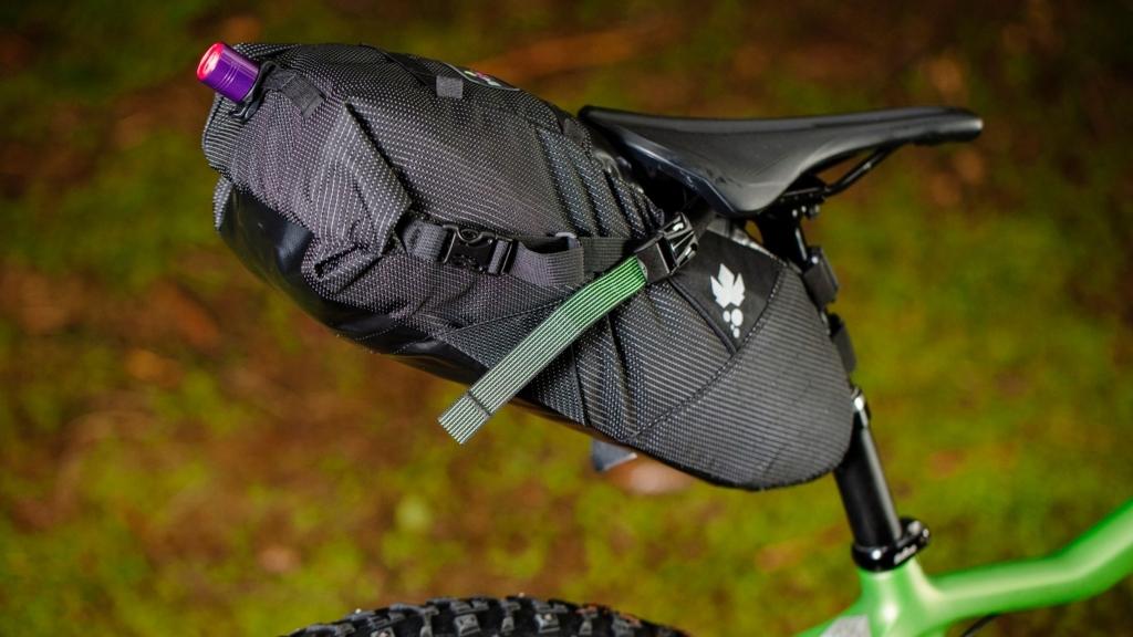 Borse cicloturismo bikepacking Miss Grape: Cluster