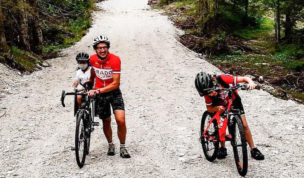 cicloturismo famiglia in bici