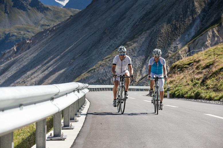 ciclismo livigno road bike tour pinarello