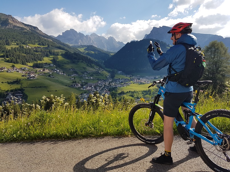 cicloturismo_val_gardena_mountainbike_ebike