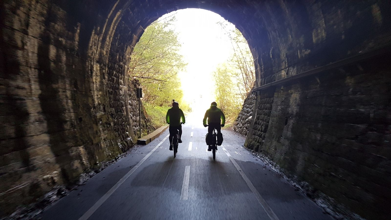 ciclovia alpe adria tunnel