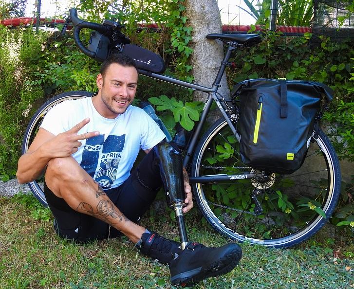 karma on the road cicloturismo 2 ruote e 1 gamba