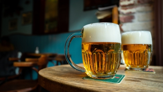 la birra è la bevanda dei ciclisti