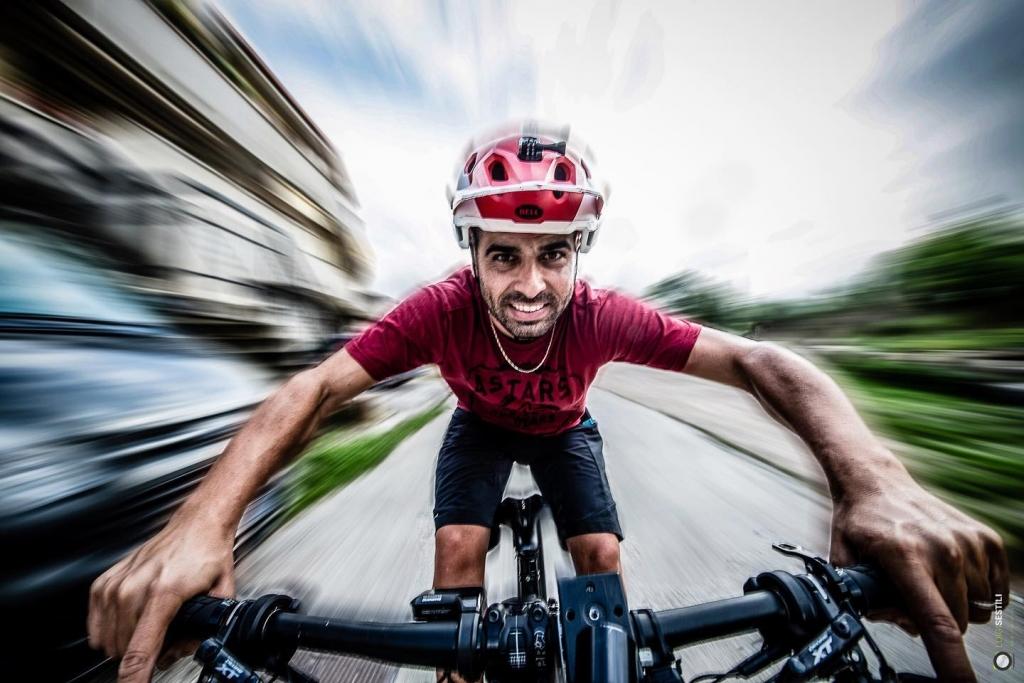 Luigi Sestili, un selfie in azione, sui pedali!
